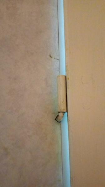 Встроенная петля в стену ванной 137 серии