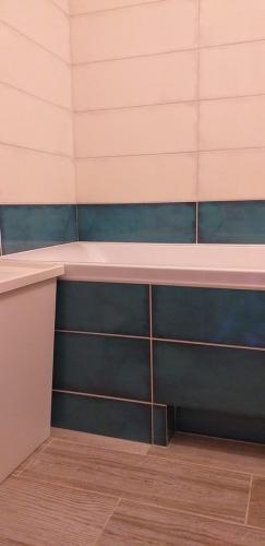 Керамическая плитка в ванной 137 серии