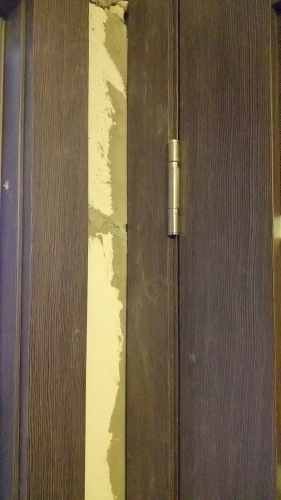 Двери на кухню и туалет в доме 137 серии