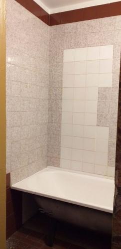Вид стен ванной 137 серии до ремонта