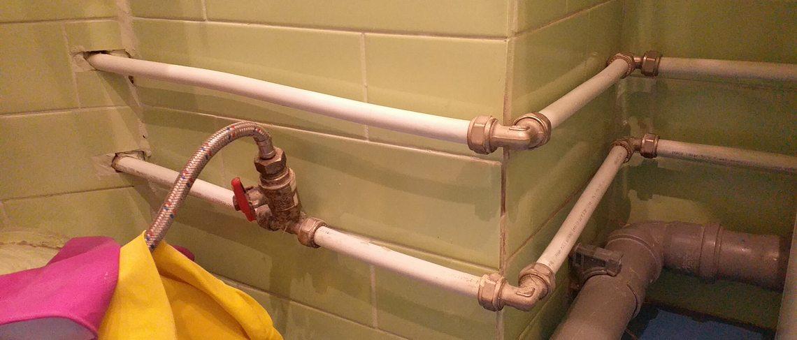 водопровод из металлопластика на обжимных фитингах