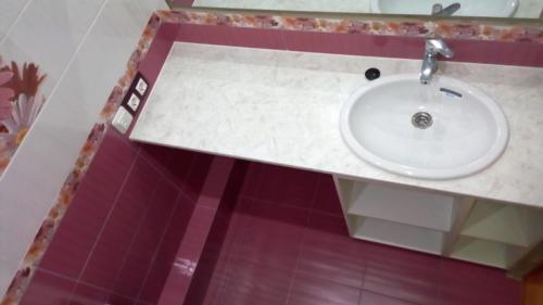 Зеркало в ванной 137 серии