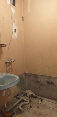 крашенные стены ванной 137 серии