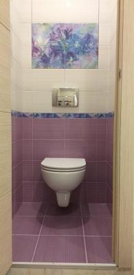 подвесной унитаз AM:PM на инсталляции geberit в туалете 137 серии
