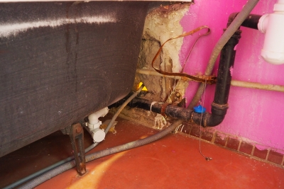 старый водопровод в ванной 137 серии
