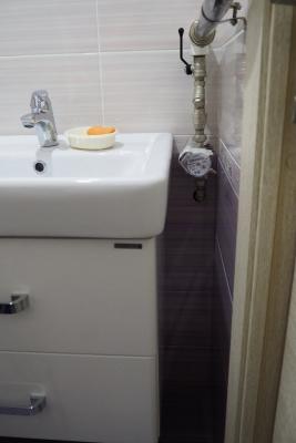 счётчик воды горячей воды в ванной 137 серии